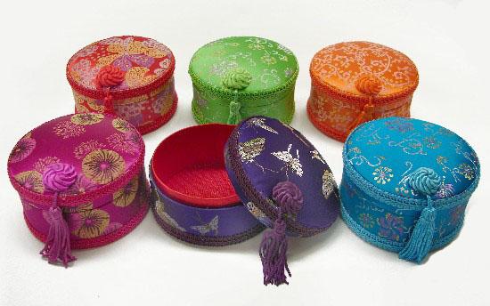Round Shapd Chinese Brocade Jewelry Box