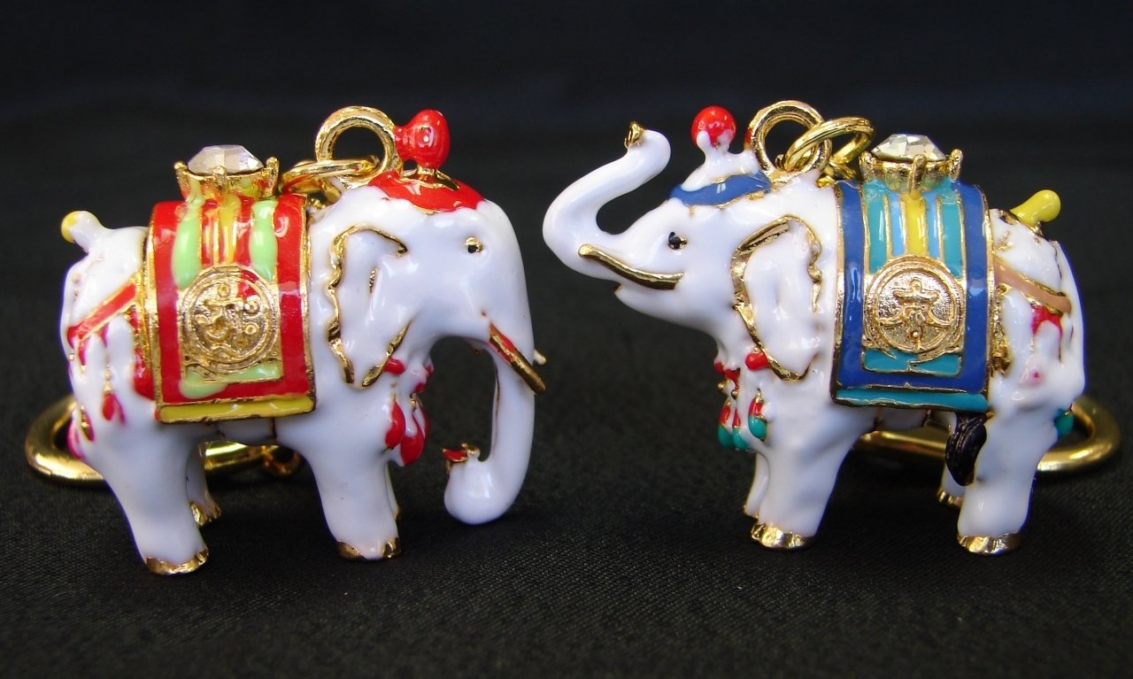 Pair of white elephants - Elephant meaning feng shui ...